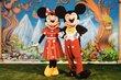 Mickey, Minnie et autres amis à domicile  C'est...