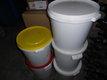 2 sceaux de miel de printemps 1 de 40 kg et 1 de...