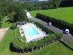 Duplex dans Grange auvergnate rénovée avec piscine