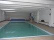 Avec piscine dans l'immeuble et garage