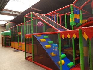 Ontspanning Uhoo binnenspeeltuin, laser game, arena, diso