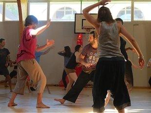 Stages,cours Danse 5 rythmes soirée ouverte à tous avec Michel Wery