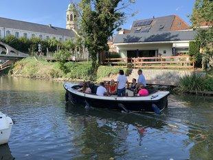 Ontspanning Vaar zelf een luxe sloep de Leie naar Gent St-Martens-Latem