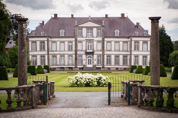 Expositions Visitez Château d Attre son parc avec Rocher d une hauteur 33m...