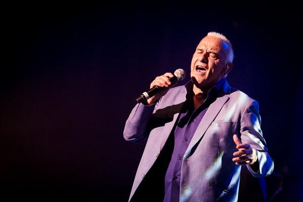 Concerts Michel Fugain  dans causerie musicale