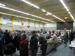 Rommelbeurs OUDENBURG - Sporthal - Org. JOVAN