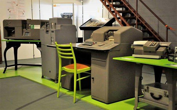 Loisirs Démonstration d un atelier mécanographie à cartes perforées