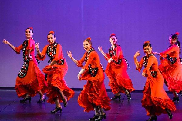 Voorstellingen  tapas & Flamenco  optreden de dansgroep Corazon Flamenco