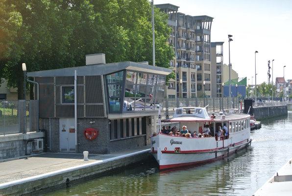 Loisirs Le port, canaux bruxellois l écluse Molenbeek