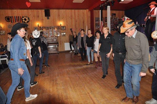 Concerts Concert country line dance old time avec Muzik