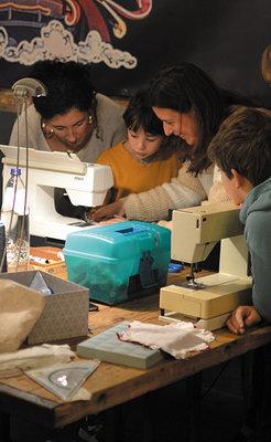 Stages,cours Petites créations textiles tissus récup  (atelier adultes/enfants)