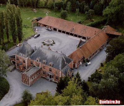 Location de salle dans un château entouré d'un...