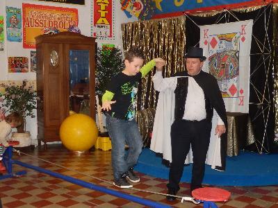 Cirque - Atelier à domicile pour fêtes d'enfants.