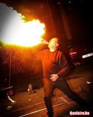 Cracheur de feu -Dagad l'incroyable magicien...