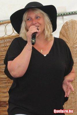 Chanteuse de variété francaise