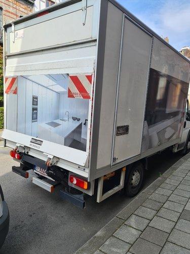 Déménageur 2 hommes, avec Camion 20M³ à 125 ...